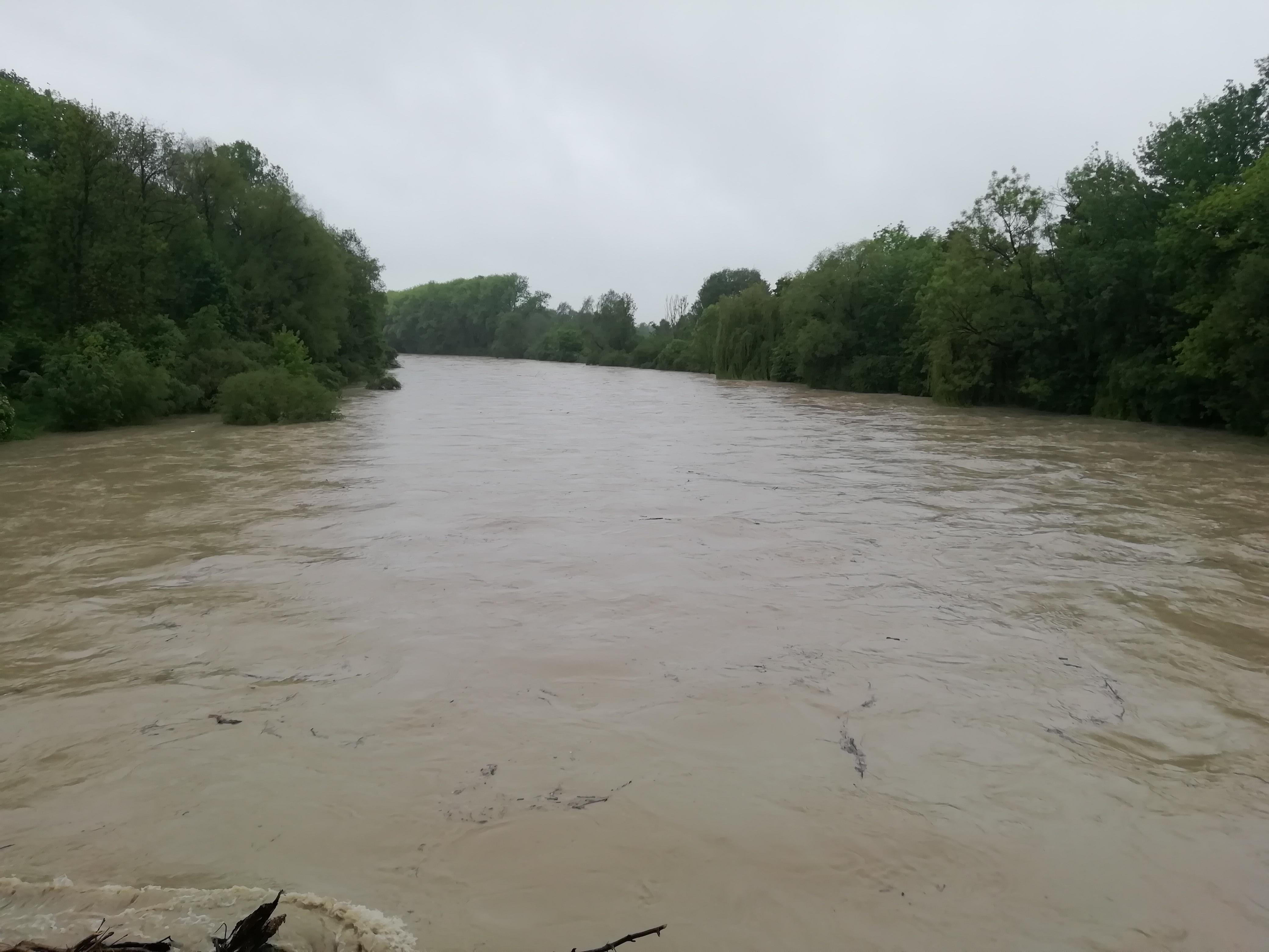 Hochwasser an der Isar in Freising im Mai 2019.